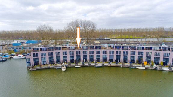 Aquamarin 106, Weesp